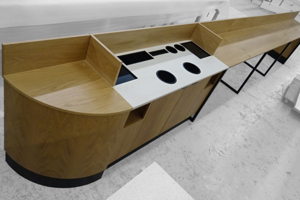 Condiment unit and perch table for coffee shop